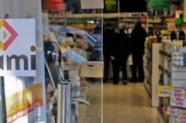 INSOSTENIBLE: las farmacias de La Plata suspendieron la atención a PAMI, la obra social de jubilados