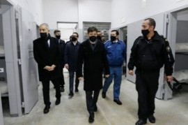 Por decreto, Kicillof prorrogó un año más la emergencia en seguridad pública y salud penitenciaria