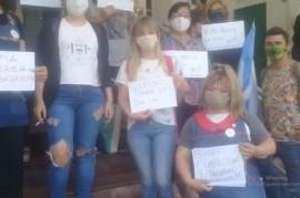 Nueva protesta frente a la sede de IOMA de acompañantes terapéuticas y cuidadoras domiciliarias