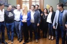 """Intendentes del PJ bonaerense: """"El Presupuesto de Vidal atenta contra la calidad institucional"""""""
