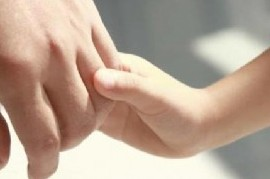 El Colegio de Psicólogos incluyó como beneficiarias de sus planes de atención a madres no gestantes