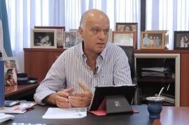 Lanús: el intendente Grindetti destina más presupuesto a una pantalla móvil que al oxígeno medicinal