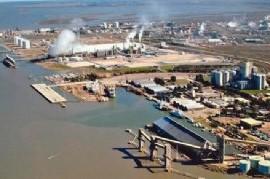 """Bahía Blanca: considerarán """"almacenaje flotante"""" a buques con petróleo fondeado frente a su Puerto"""