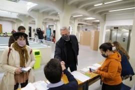 PASO 2021: el presidente Fernández ya votó en la sede de la Universidad Católica Argentina