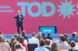 """Acto Federal"" en Tecnópolis: Fernández instó a trabajar para que la Argentina ""se ponga de pie"""
