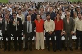 """Vidal y """"el equipo"""" siguen con metáforas: una catarsis fue vendida como """"reunión de gabinete"""""""