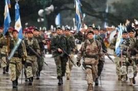 Es simple, es claro: Si no hay aumento salarial, no hay desfile militar