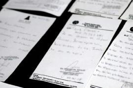 Allanaron el Consejo Escolar de Lanús por una investigación sobre certificados médicos falsos